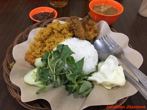 Must Visit Place in Singapore jilaxzone.com Bebek Goreng Pak Ndut The Crispy Fried Duck