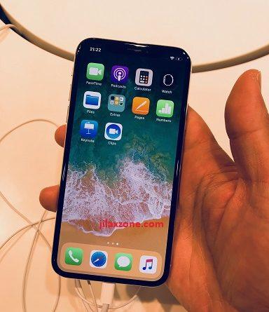 hands on iPhone X jilaxzone.com