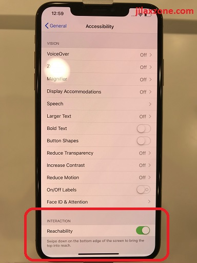 iPhone XS Max how to turn on reachability