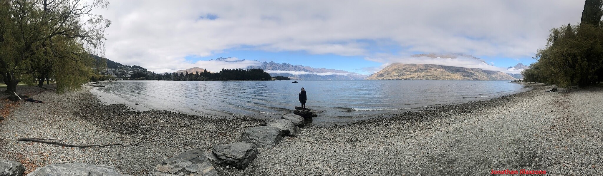 panoramic view of lake wakatipu queenstown new zealand